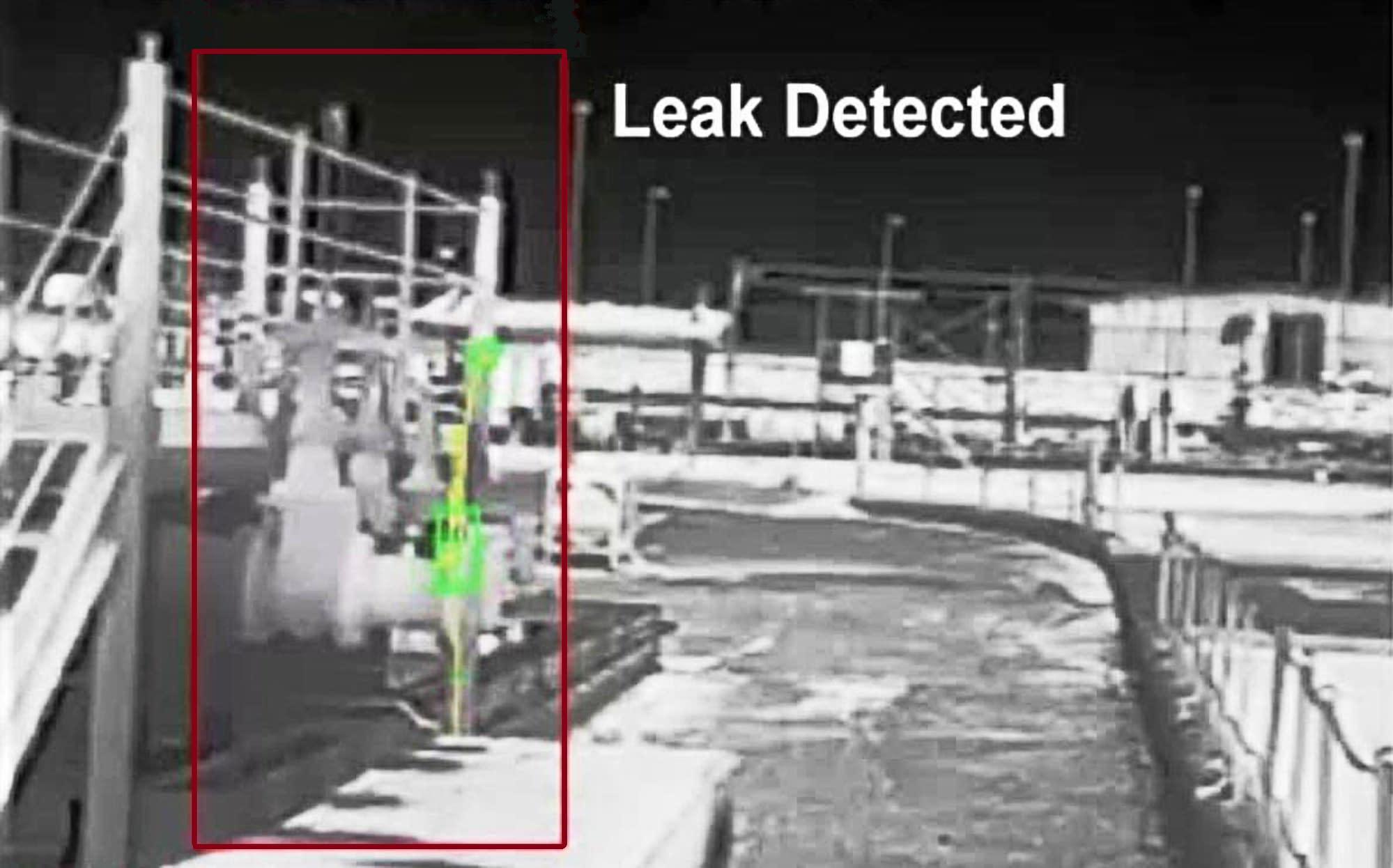 Liquid pipeline leak detection using video analytics technology
